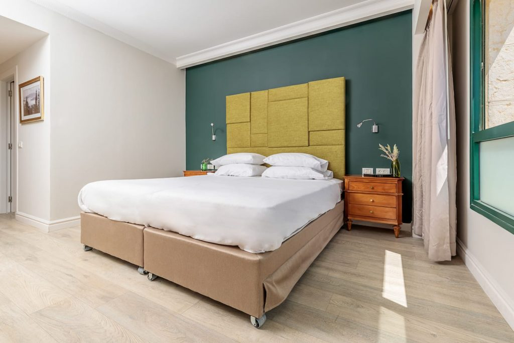 Deluxe Room – Shaked